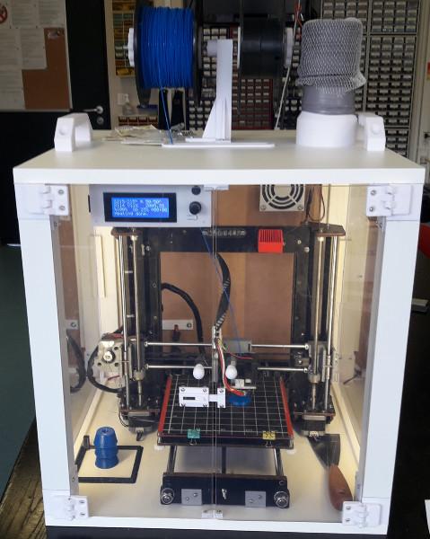 Imprimante 3D dans son caisson